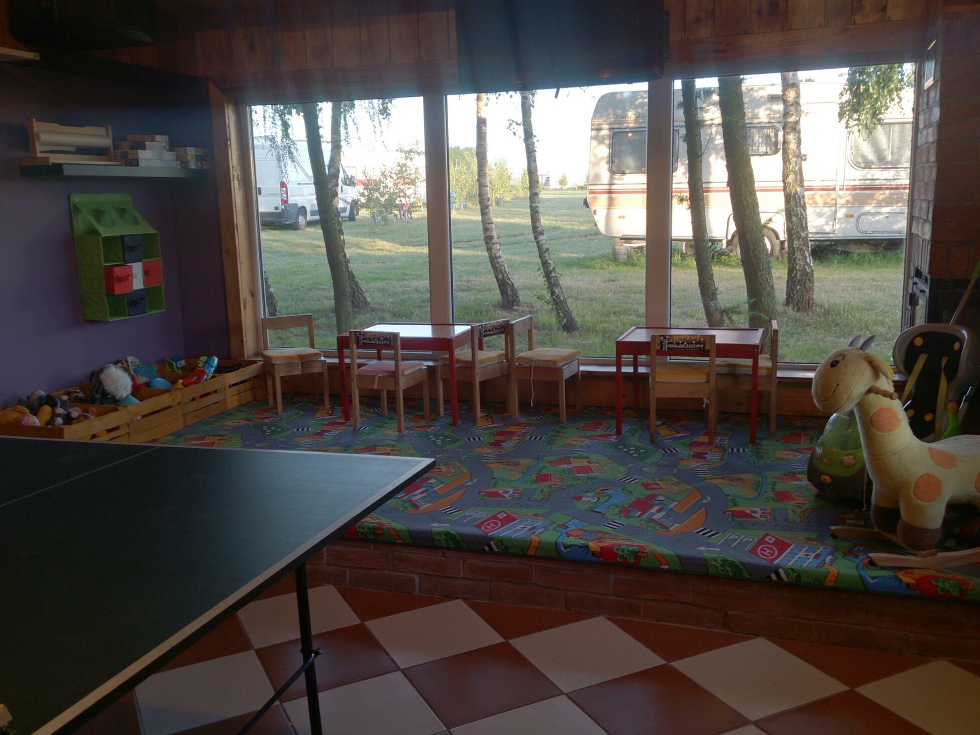 sala tv pole namiotowe